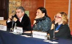 Los doctores Blanco y Lázaro y la moderadora María Palacín