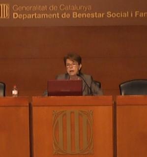La doctora Mercè Pineda durante su intervención
